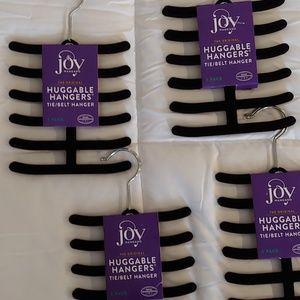 4 Pairs of  Huggable Hangers Tie/Belt